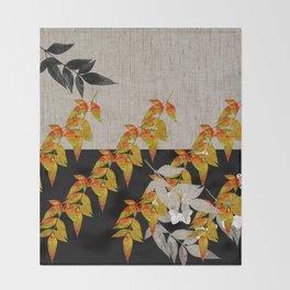 Japanese subtlety Throw Blanket
