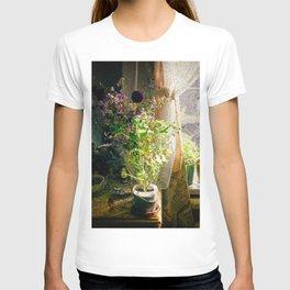 Vintage Classic Flower Still Life T-shirt