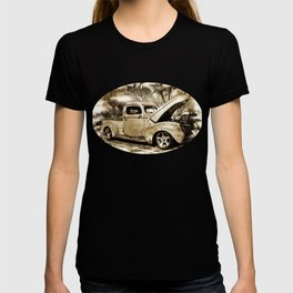 1940 Ford Pick up Truck T-shirt