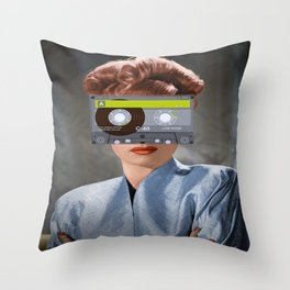 Ojos de casette Throw Pillow