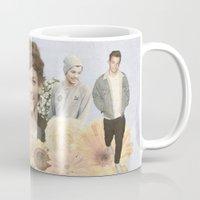 louis tomlinson Mugs featuring Louis Tomlinson + Flowers  by Ladsandstuff