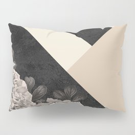 Flowers in sunlight Pillow Sham