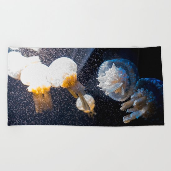MEDUSAS Beach Towel