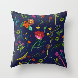 Floral love I pattern Throw Pillow