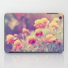 Retro Vintage style - flowers iPad Case
