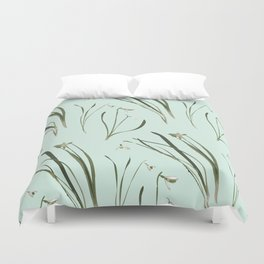 GALANTHUS IN MINT Duvet Cover