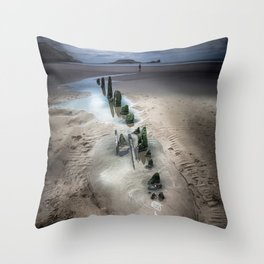 worms head rhossili bay Throw Pillow