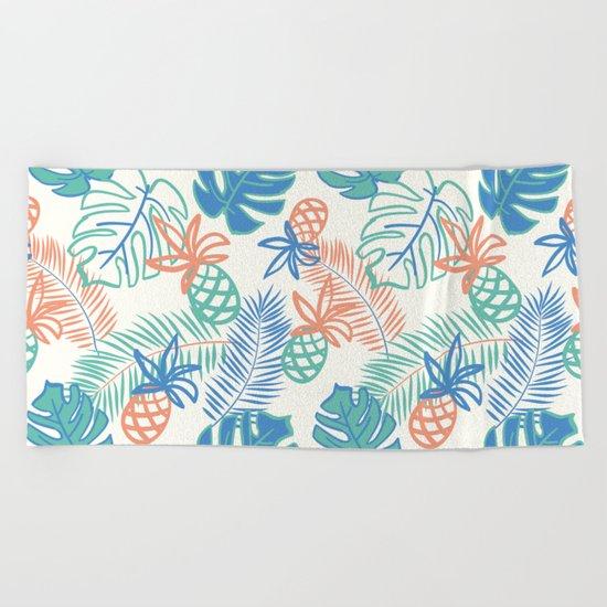 Pineapple pattern. Tropical foliage Beach Towel