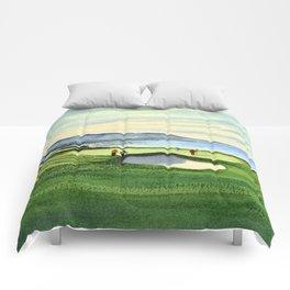 Pebble Beach Golf Course 9th Green Comforters