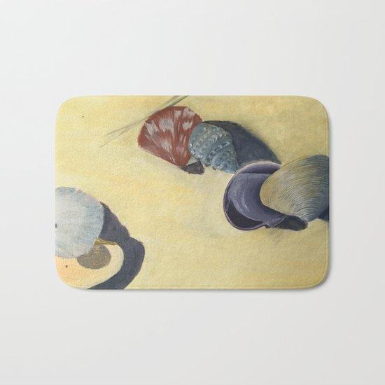 Scattering shells Bath Mat