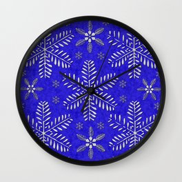 DP044-10 Silver snowflakes on blue Wall Clock