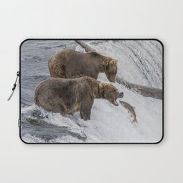 The Catch - Brown Bear vs. Salmon Laptop Sleeve