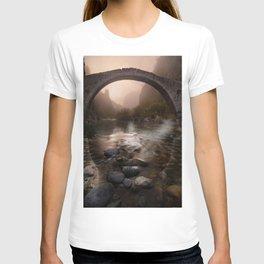 Bridge girl T-shirt