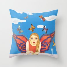 MARIPOSA O POLILLA ? Throw Pillow