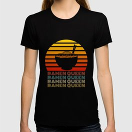 Ramen Queen Japanese Noodles Vintage Retro Style Japan T-Shirt