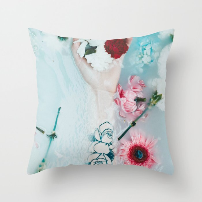 Bath art Throw Pillow