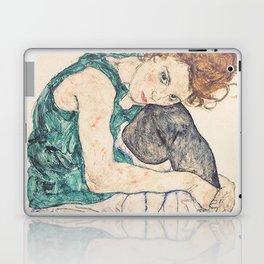 SEATED WOMAN WITH BENT KNEE - EGON SCHIELE Laptop & iPad Skin