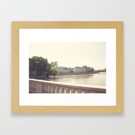 Paris, dans les iles Framed Art Print