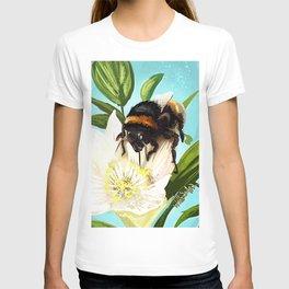Bee on flower 5 T-shirt