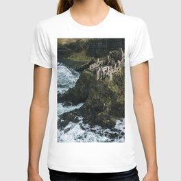 Castle ruin by the irish sea - Landscape Photography T-shirt