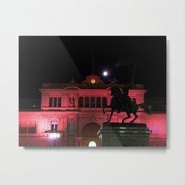 Casa Rosada con la Luna Metal Print