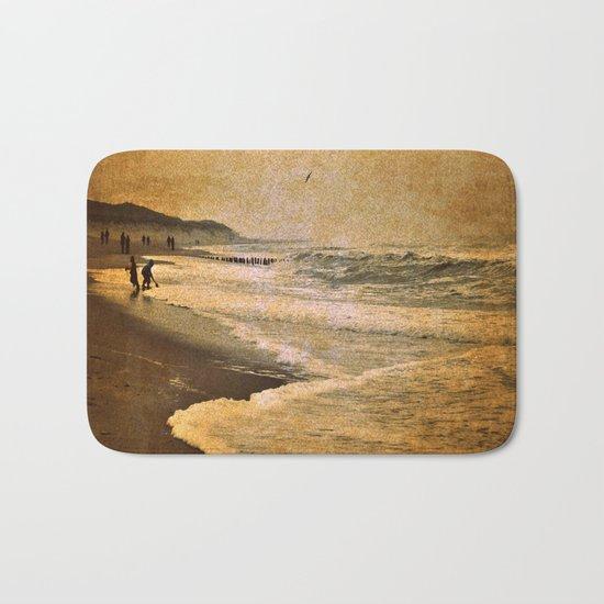 vintage beach sea Bath Mat