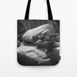Inukshuk in the sun - Black and white Tote Bag