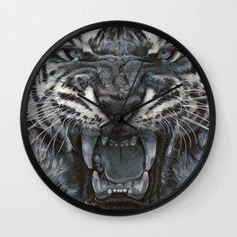 Tiger Roar! - By Julio Lucas Wall Clock