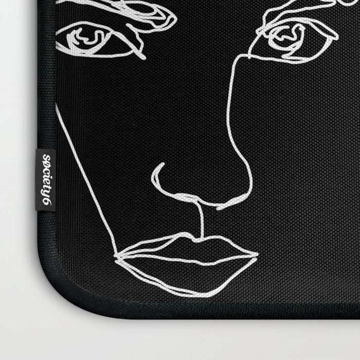 Faces one line illustration - Cyra Laptop Sleeve