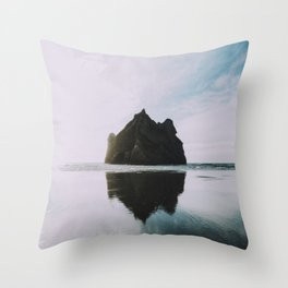 unrequited love Throw Pillow