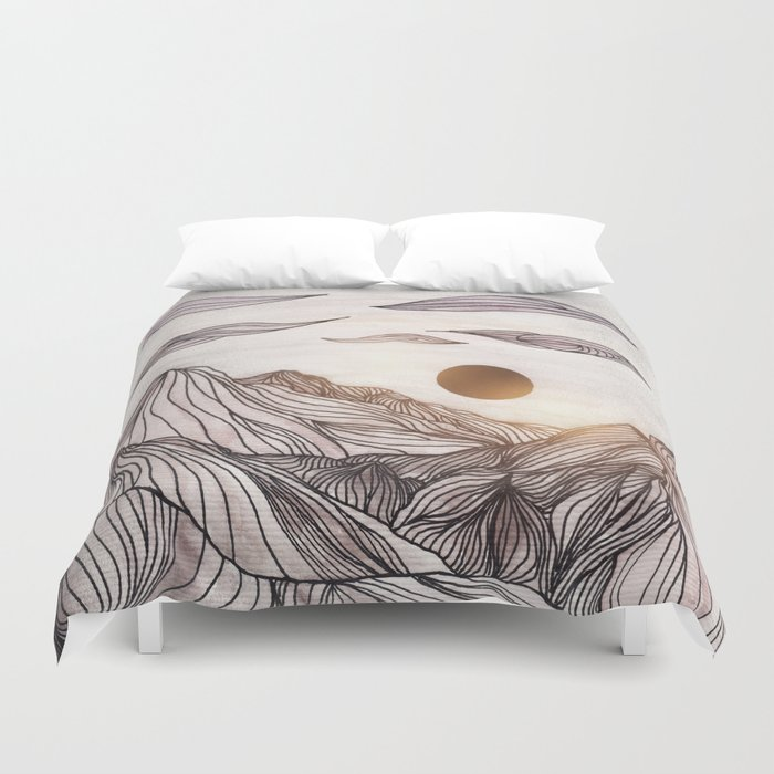 Lines in the mountains Duvet Cover