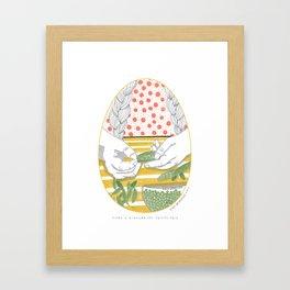 Aider à écosser des petits pois _ 3\34 _ Viola Gesmundo _ Piccoli piaceri della vita Framed Art Print