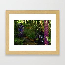SNDR_MSG_RCVR Framed Art Print