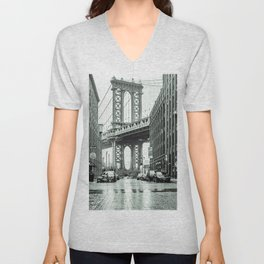 DUMBO Manhattan Bridge 2020 Unisex V-Neck