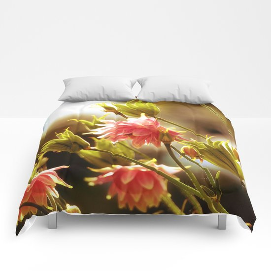 Wild beauty, flowers in the meadows Comforters