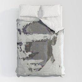 sumner glitch Comforters