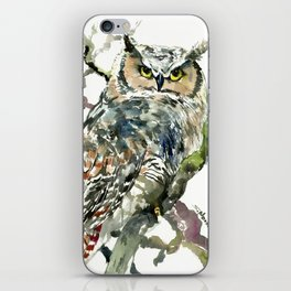 Great Horned Owl in Woods iPhone Skin