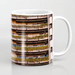 Edificio sostenible Coffee Mug