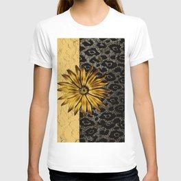 ANIMAL PRINT BLACK AND GOLD FLOWER MEDALLION T-shirt