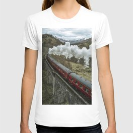 Red Wizard Steam Train In The Scottish Highlands – Landscape Photography T-shirt
