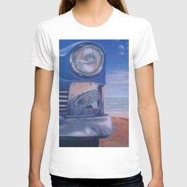 Cuban Car on beach painting T-shirt
