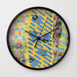 Saluti Dal Futuro 114 Wall Clock