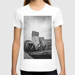 Thor Wood Stump Driftwood Northwest Tree Forest Black White Rustic Nature Outdoors Landscape Beach Pacific Ocean T-shirt