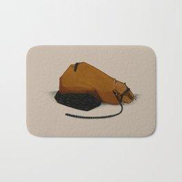 Castoro circondato da un millepiedi Bath Mat