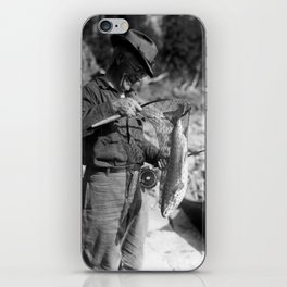 Pride from the catch - Fier de sa prise  iPhone Skin