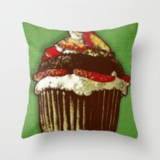 strawberry cake Throw Pillow