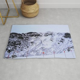 Mountains not yet ready for skiing Rug