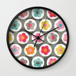 LAZY DAISY PATTERN Wall Clock