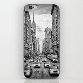 NEW YORK CITY 5th Avenue Traffic | Monochrome iPhone Skin
