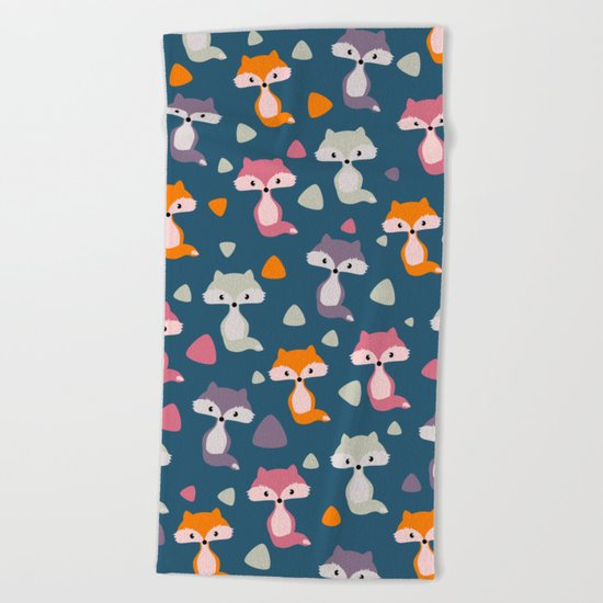 Foxes in many colors Beach Towel